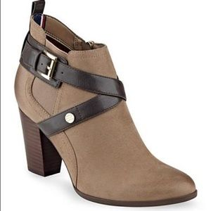 NWT Tommy Hilfiger Faux Suede Belted Booties
